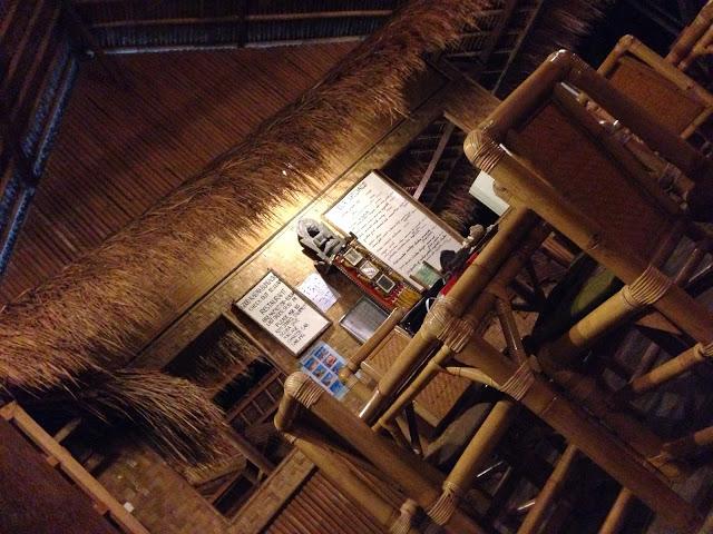 ★【Amed GOOD KARMA】〜今度こそコロッケと隣の崖の上の傾斜カフェ〜アメッドのグッドカルマに 泊ま ったのさ。その③【BALI レストラン】